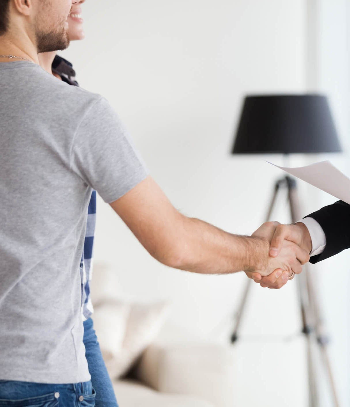 istock-image-shaking-hands-property-manager